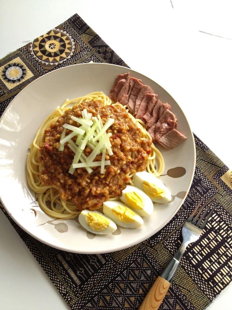 Beef Noodles in Peanut Sauce (Mee Rojak Daging)
