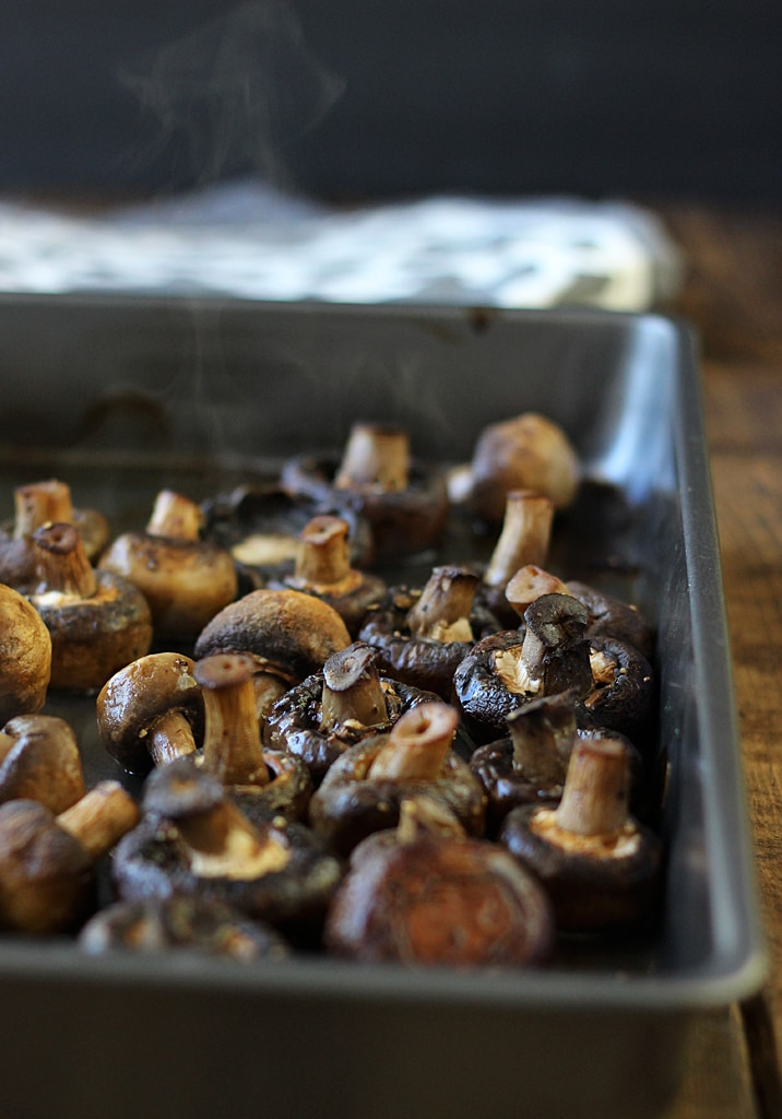 Smoky roasted mushrooms makes a great side dish to any pot roast or steak. Doused in a garlic butter sauce and seasoned with smoked paprika and parsley.