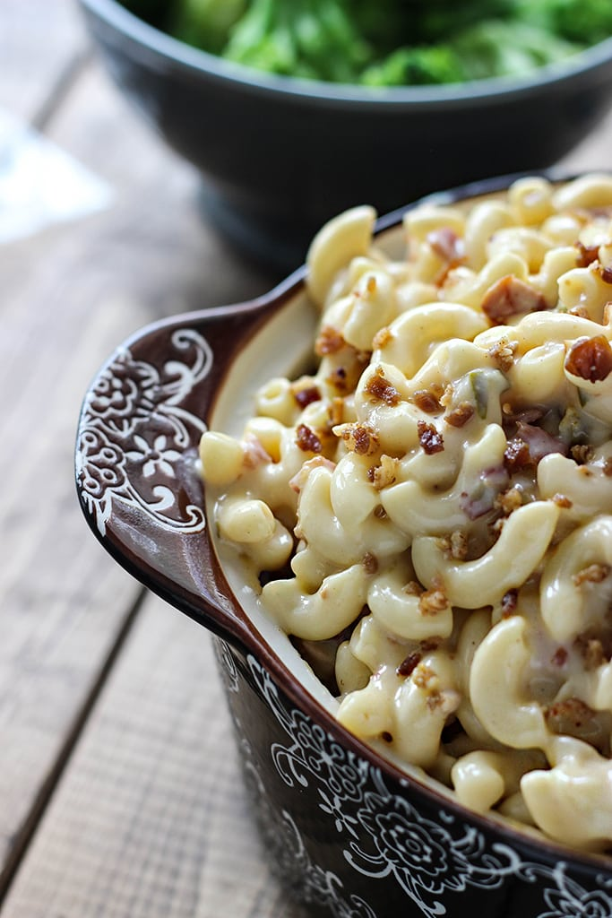 Add some comfort to your table with some bacon jalapeno mac and cheese. This twist on the classic is full of yum!