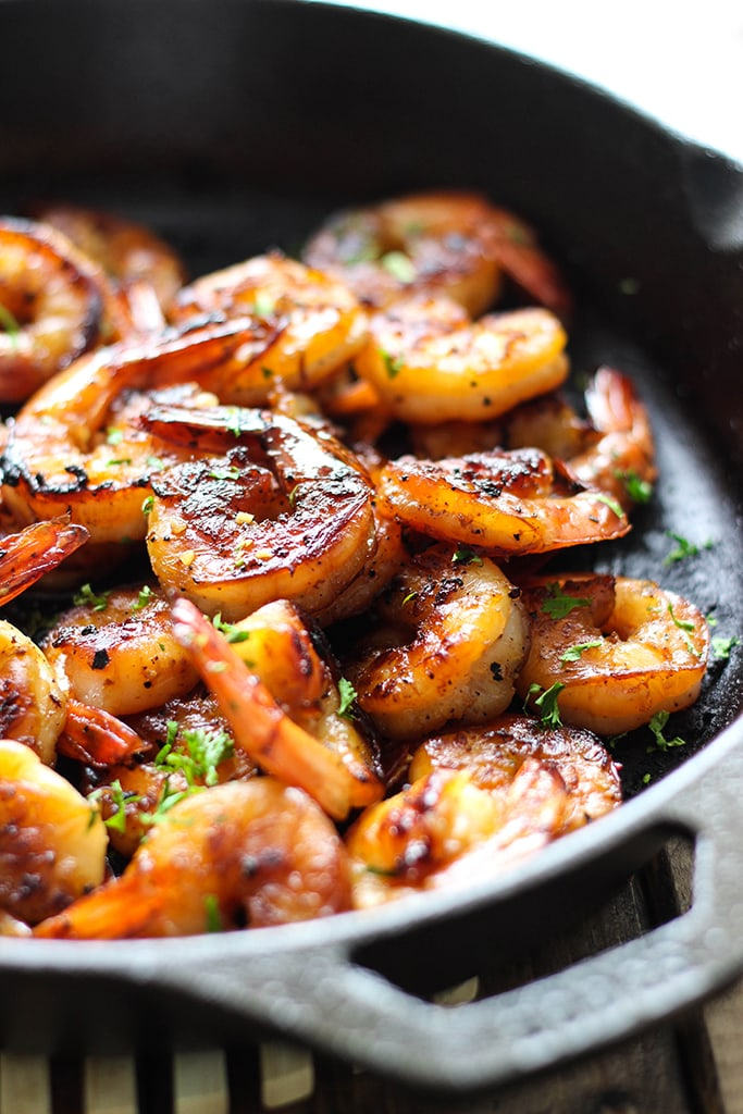 Honey garlic shrimp skillet the cooking jar this smoky and sweet honey garlic shrimp skillet is super easy with only five ingredients and forumfinder Choice Image