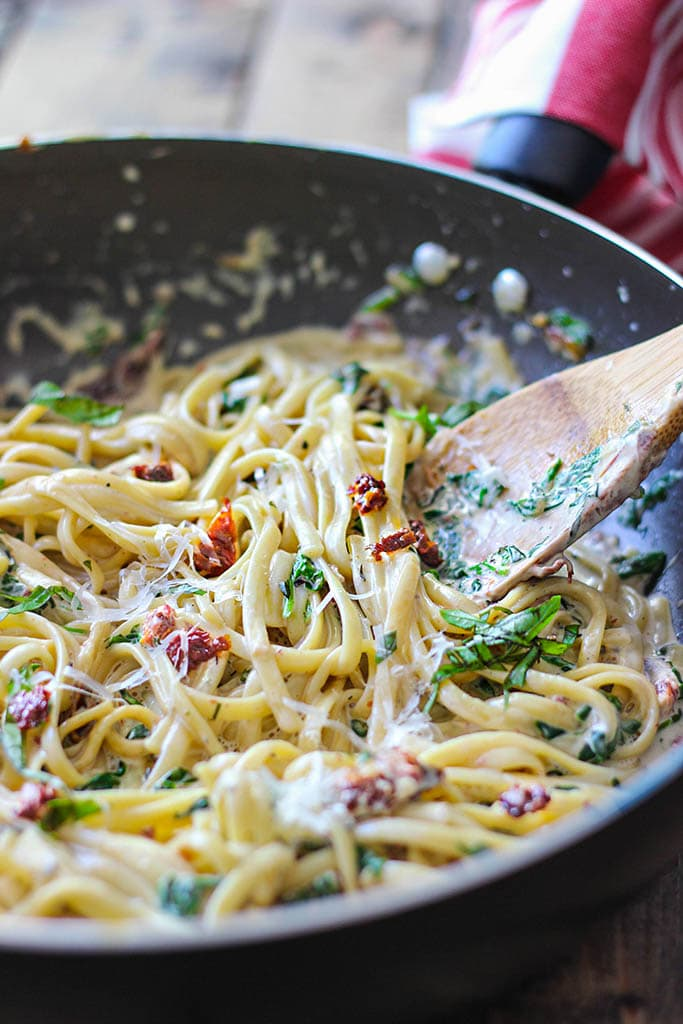 Creamy Sun-Dried Tomato and Spinach Pasta - The Cooking Jar
