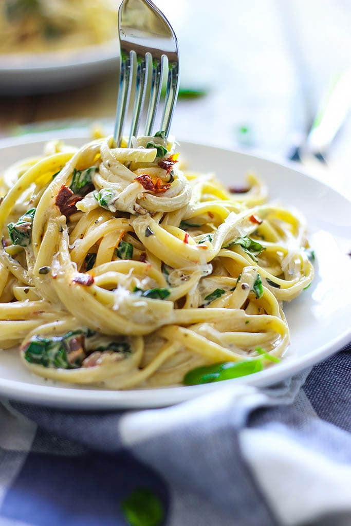 ... sun-dried tomato and spinach pasta! Easy and ready in 30 minutes